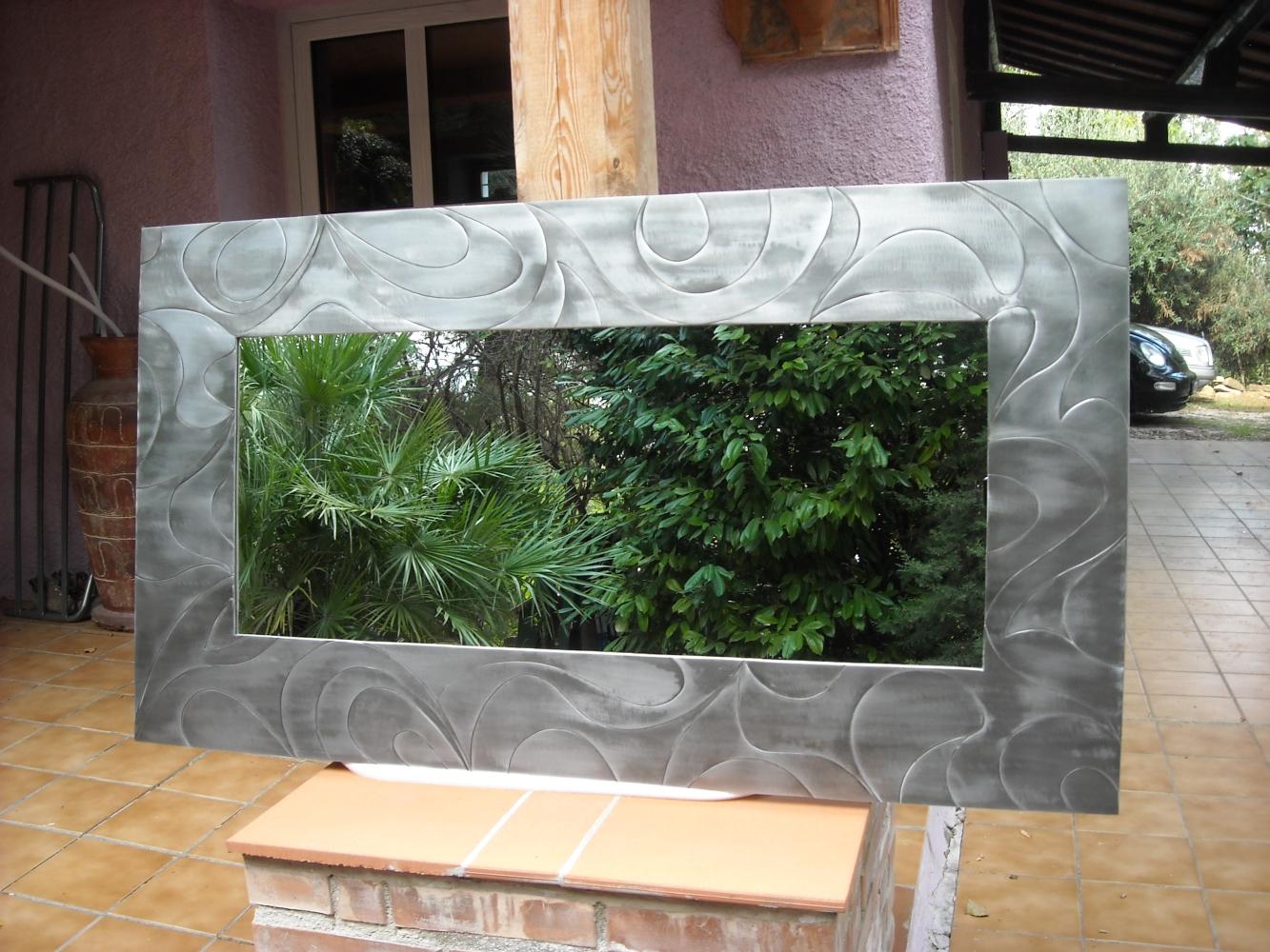 Margot - specchi da parete particolari, design, moderni di valore
