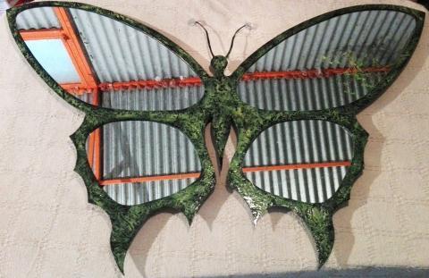 specchio parete forma di farfalla